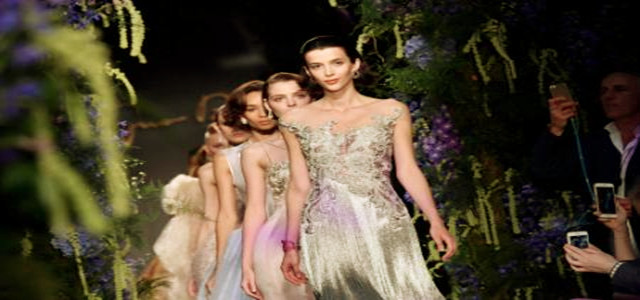 中国设计师闪耀巴黎时装周