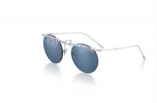 乔治·阿玛尼 优雅轻盈的春夏系列眼镜更添自由奔放之美