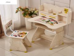 如何选择适合的儿童桌椅对小孩的身体健康最好