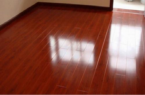 采用正确的安装方法是避免地板发出声音的关键