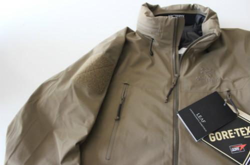 始祖鸟推荐   Zeta LT 轻量冲锋衣给你带来不一样的户外体验
