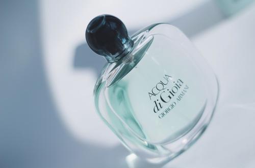 阿玛尼化妆品官网:阿玛尼香水女士系列介绍