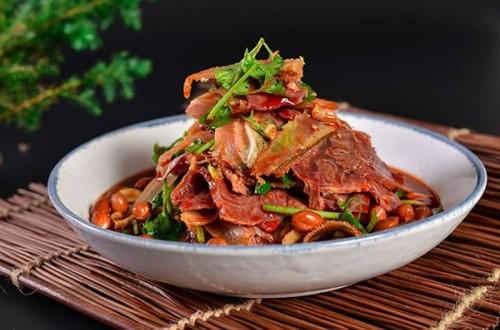 紫燕百味鸡:国民日常熟食,走进30多万家庭的餐桌