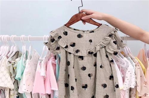 宝宝衣服哪个牌子好 乖萌萌童装为宝宝打造时尚服装