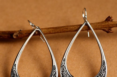 老银匠银饰:传承百年银器加工手艺